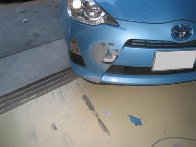 トヨタ、アクアのキズ、へこみ板金塗装修理(碧南市からご来店)