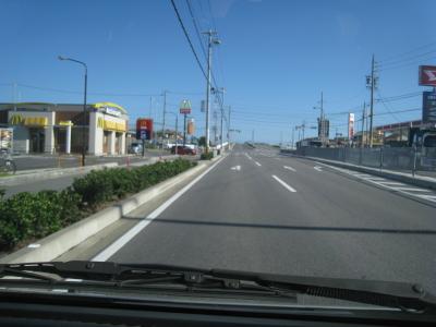 左側JAガソリンスタンドです。