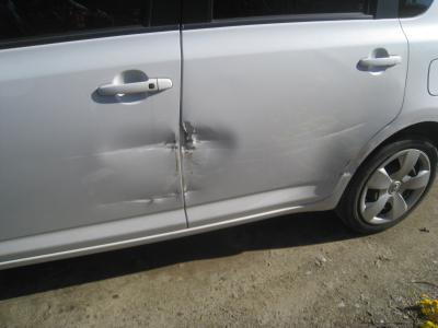 トヨタ、ラクティクスのキズ、へこみ板金塗装修理 (西尾市からご来店)